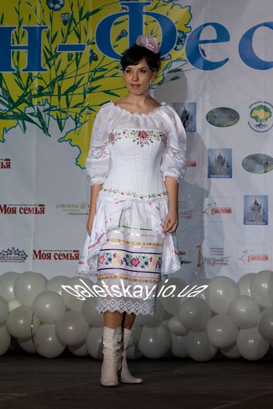 Платье/ свадебное платье в украинском стиле от украинского дизайнера. Платья в народном стиле