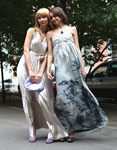фото короткого обтягивающего платья с кружевными длинными рукавами